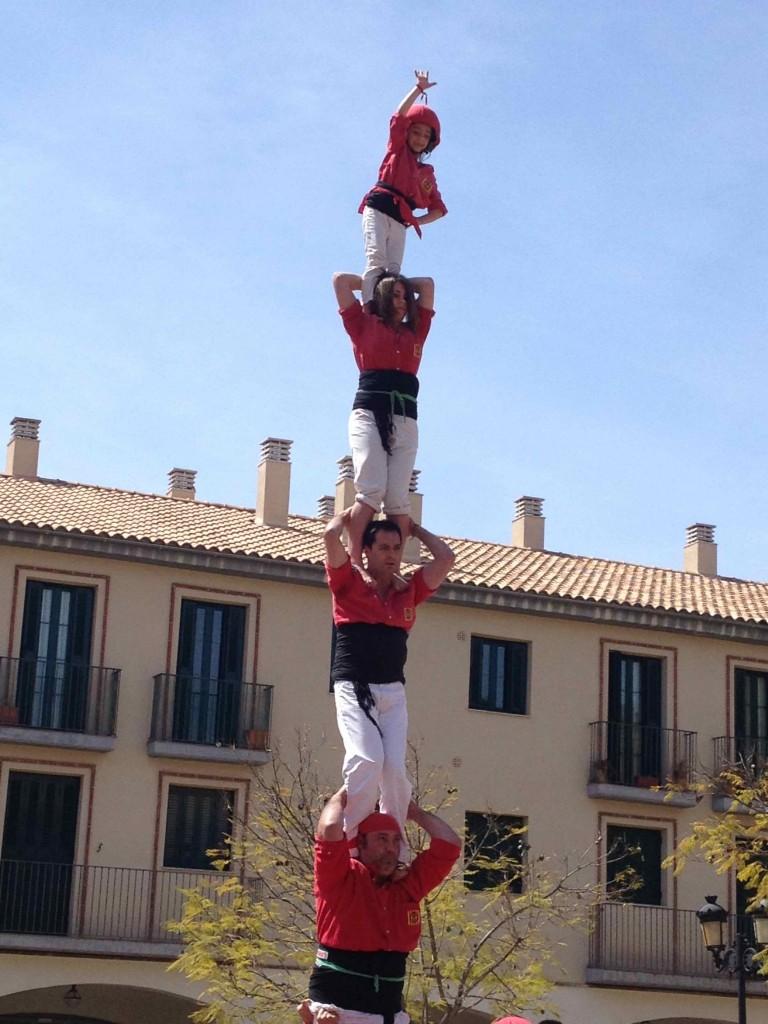 "A ""pilar de sis"" - 1 person per level for 6 levels, by Vilafranca"