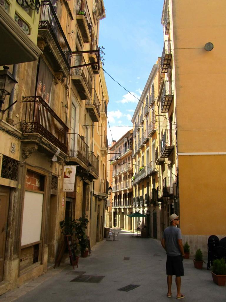 Tortosa street scene