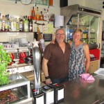Christian and Lucy behind the bar at El Sitio