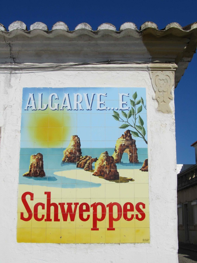 Old Algarve advertising in tiles