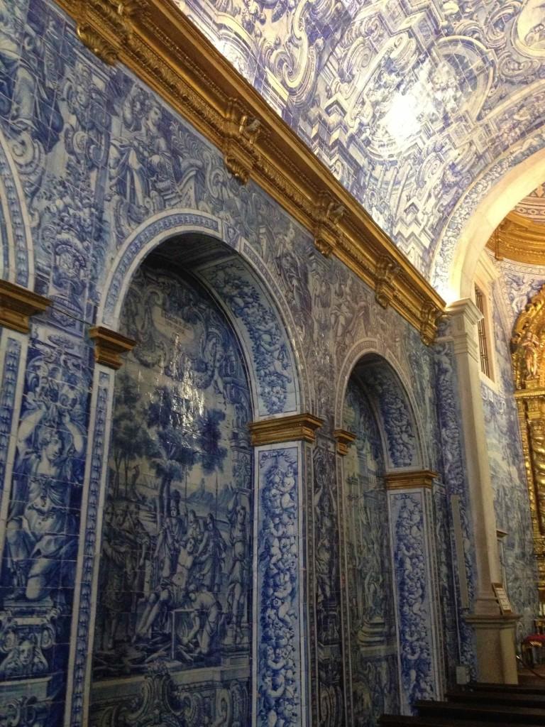 The tiled interior of the Igreja de Sao Lourenco de Matos