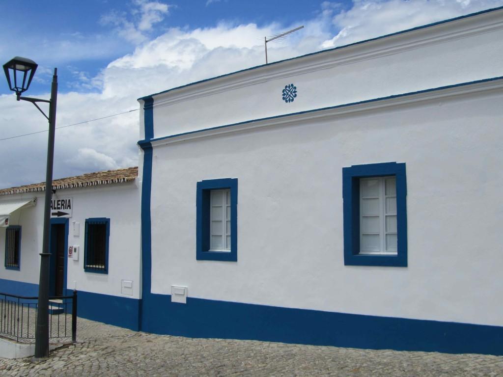 Typical flat roofed Algarve cottages