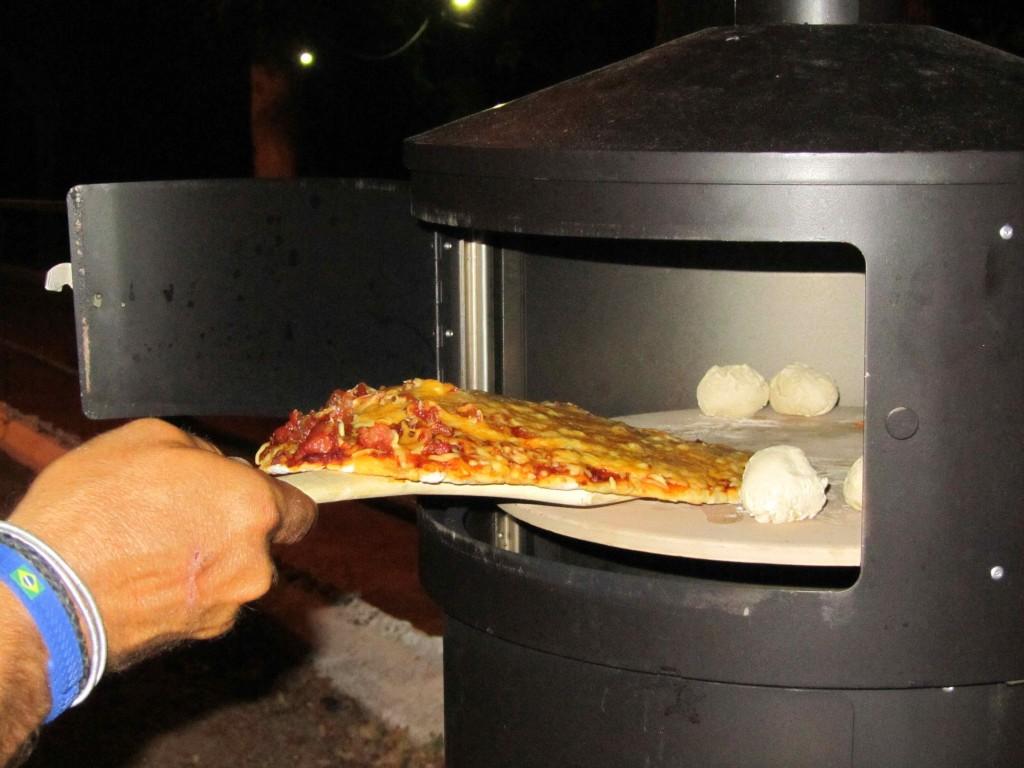 Hurrah - homemade pizza and dough balls in the Aquaforno!