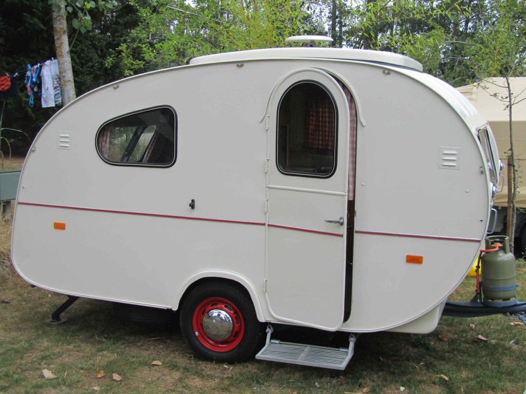 1962 Caravan, O Tomanco campsite