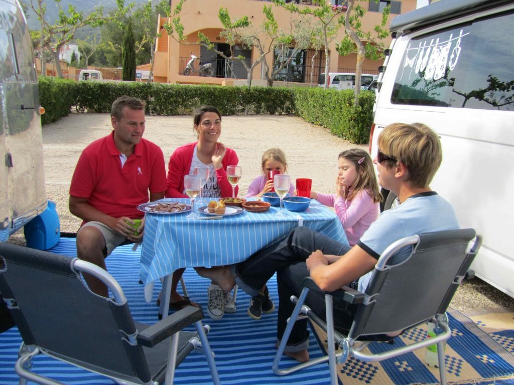 Socialising at Camping Ribamar
